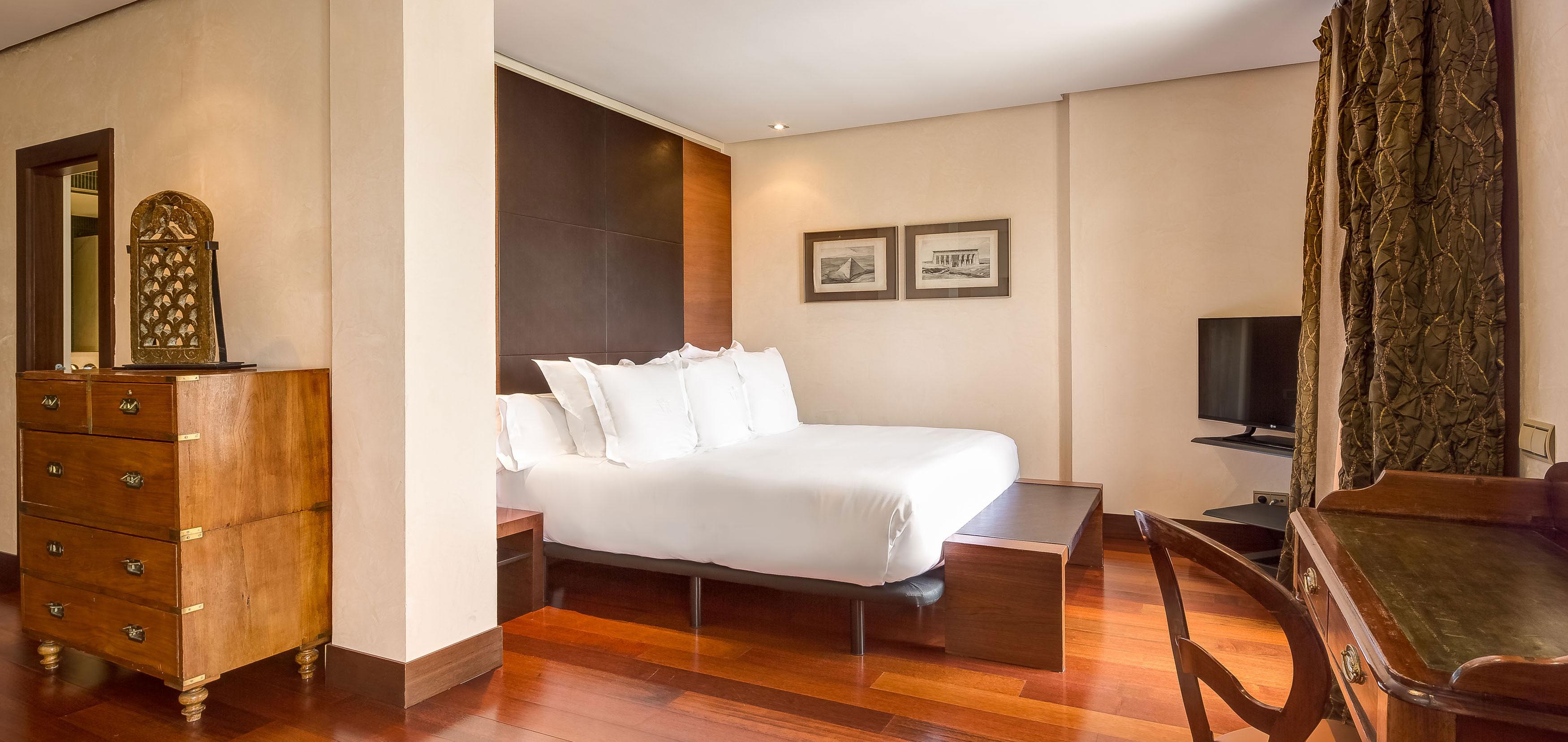 HotelVillaRealHeader