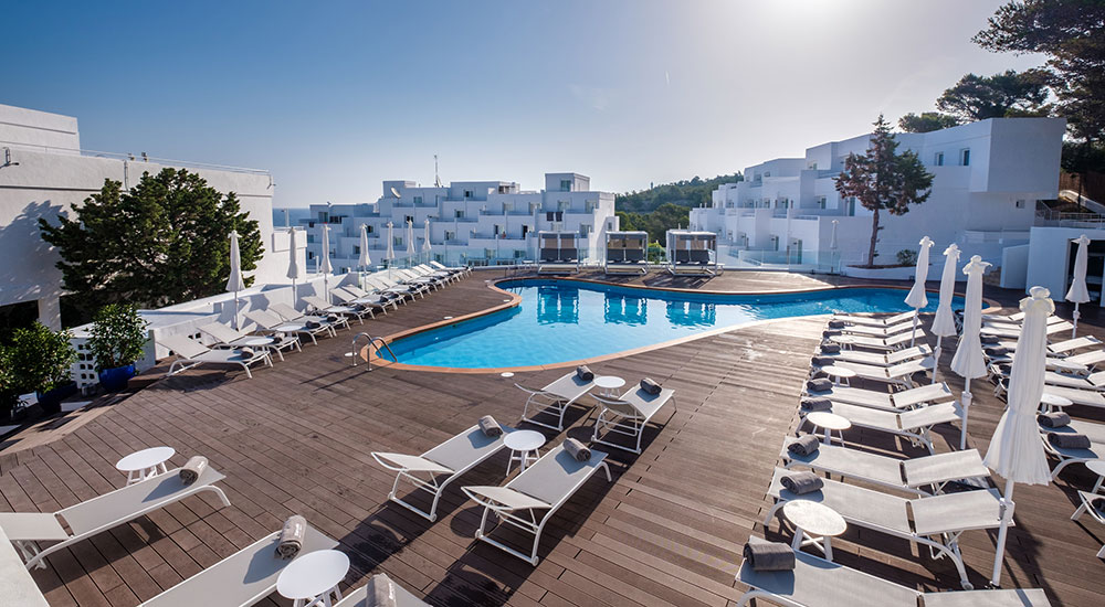 BARCELÓ PORTINATX, EL ÚLTIMO ADULTS ONLY DE BARCELÓ HOTEL GROUP QUE INVITA A DESCUBRIR «LA OTRA IBIZA»