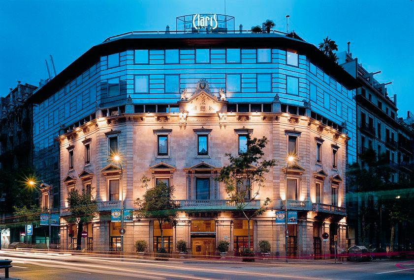 EL GREMI D'HOTELS URGE A LAS ADMINISTRACIONES A ACTIVAR MEDIDAS PARA FRENAR EL DESCENSO DEL TURISMO EN BARCELONA