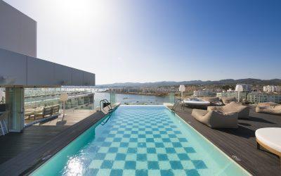 EL ESTILO INCONFUNDIBLE DE AMÀRE BEACH HOTEL IBIZA TRIUNFA EN INSTAGRAM